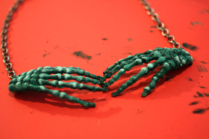 DIY Zombie Necklace Tutorial