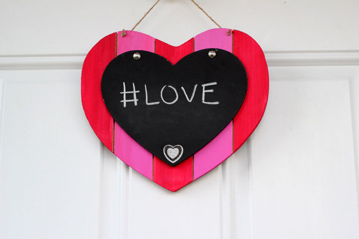 Valentines-Day-Chalkboard-decoration-7