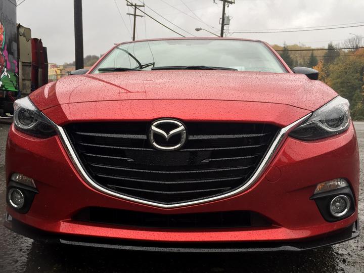 2016-Mazda3-s-grand-touring-5