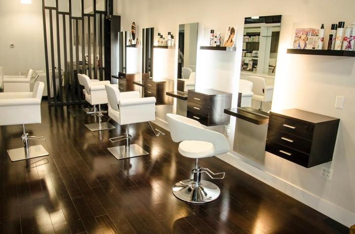 Tipsy salon bar